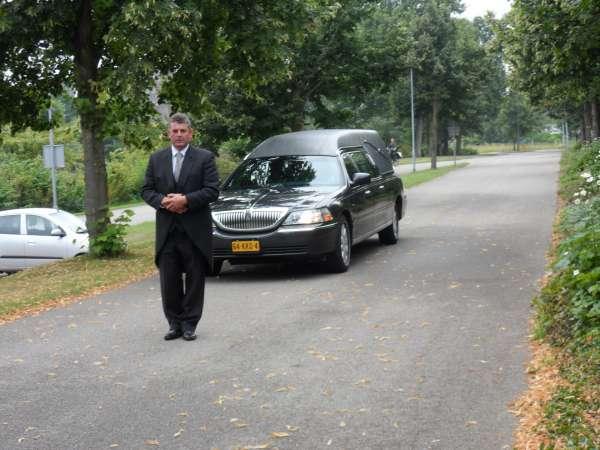 uitvaartverzorger_Arnemuiden_Begrafenisverzorging Corné Vader_6.jpg