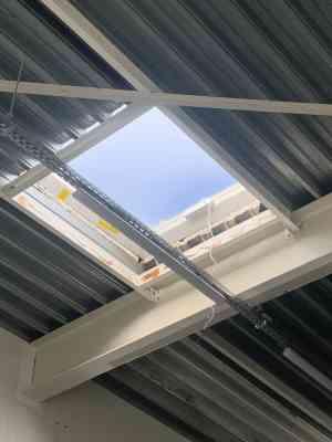 foto 2 van project Plaatsen van Elektrische bedienbare lichtkoepel