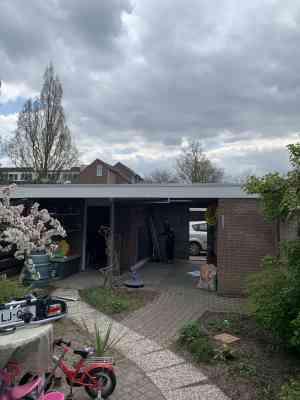 foto 2 van project Renovatie Plat dak, met plaatsen dakkoepels