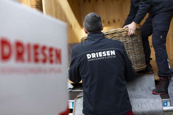 verhuisbedrijf_Emmeloord_Driesen verhuizingen & opslag Emmeloord_2.jpg