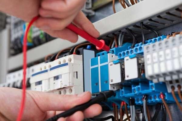 elektricien_Elst_Des Elektro BV_2.jpg