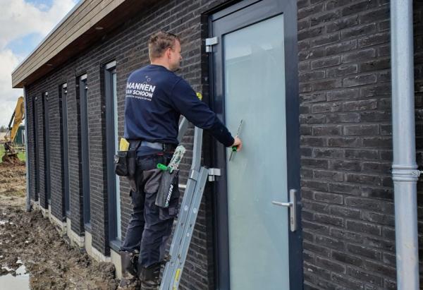 schoonmaakbedrijf_Leeuwarden_Mannen van Schoon_3.jpg
