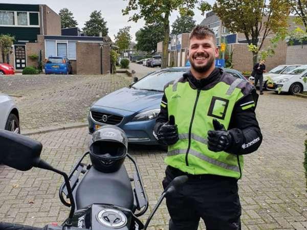 rijschool_Dordrecht_Auto en motorrijschool AQUA_3.jpg