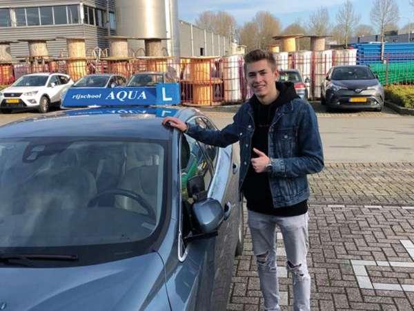rijschool_Dordrecht_Auto en motorrijschool AQUA_5.jpg