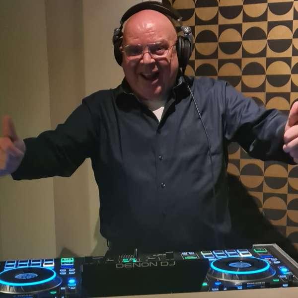 dj_Huizen_DJ John Valk Drive-in Show_2.jpg