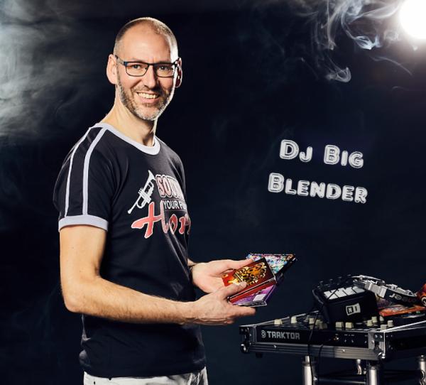 dj_Zwolle_DJ Big Blender   Bruiloft DJ   Drive In Show   Ervaren & Allround_2.jpg