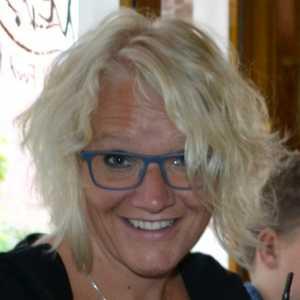 Dr. Tineke van der Veer - Mikkers, klinisch psycholoog en seksuoloog - EvenZicht - praktijk voor seksuologie en psychologie.jpg